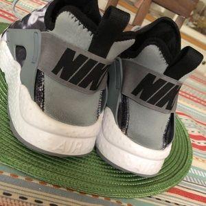 Women's sz 10 Nike Air Hurache Grey/White/Blk